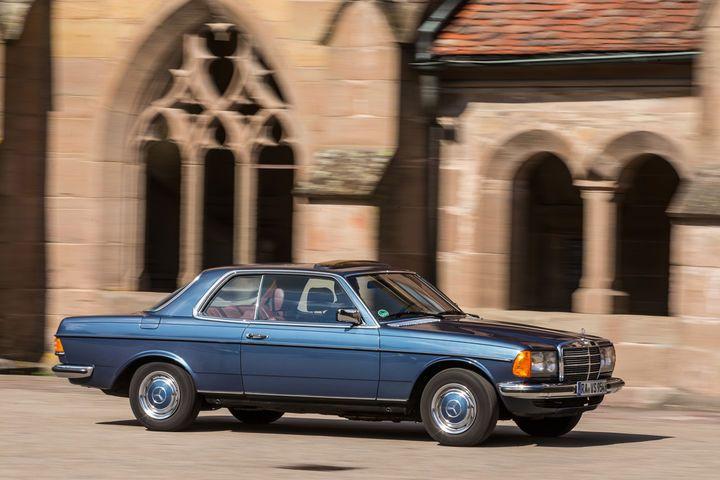 Die Schwachstellen des W123 Coupé in der Motor Klassik-Kaufberatung - AUTO MOTOR UND SPORT
