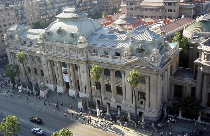 Biblioteca Nacional, Santiago, Chile.