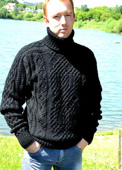 Купить или заказать Теплый мужской свитер из шерсти 'Узорчатый' в интернет-магазине на Ярмарке Мастеров. Свитер связан по заказу Юлии. Классический мужской свитер из натуральной 100% шерсти. Удобный и очень теплый с высоким воротником-стойкой. Сдержанность цвета с лихвой искупается сложностью рисунка. Увеличивайте фото, рисунок виден лучше! По заказу модель можно исполнить в любой цветовой гамме и любого размера.