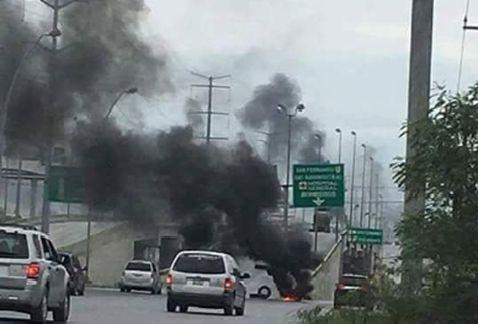 Reportan incendios y bloqueos en Reynosa   El Puntero