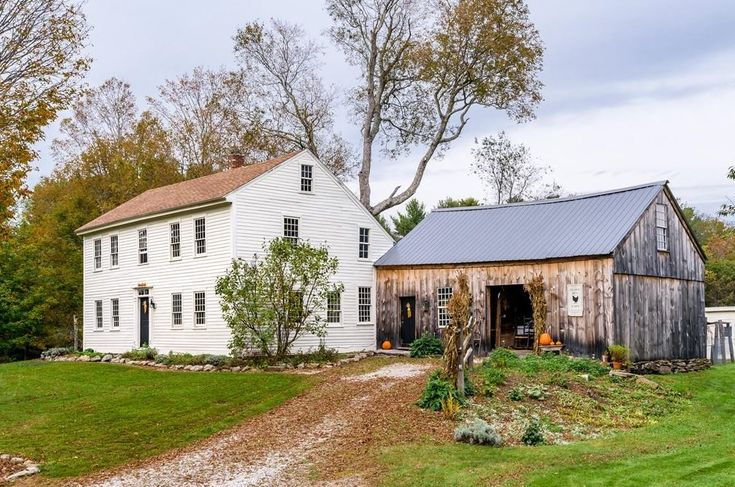 Welcome to the William Thrasher House, a c.1757 saltbox waiting for her new steward! Known locally as the Black Hen Farm, this lovely antique home has been thoughtfully maintained while carefully p…