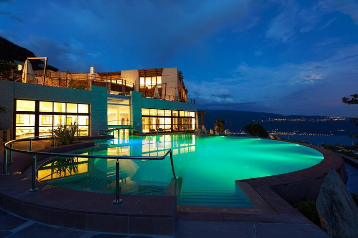 A fabulous #business #travel in #Italy with an amazing #swiming #pool? Lefay Resort & SPA - #lake #Garda