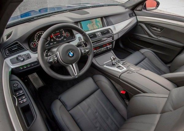 2014 BMW M5 Dashboard 600x429 2014 BMW M5 Review and Design Detail with Images