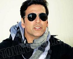 akshay kumar giving chnces to faded out heroines