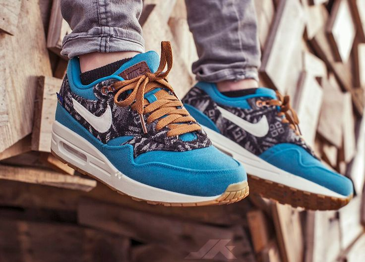 Nike ID Air Max 1 Pendleton (by Neline Tiben) – Sweetsoles – Sneakers, kicks and trainers. On feet.