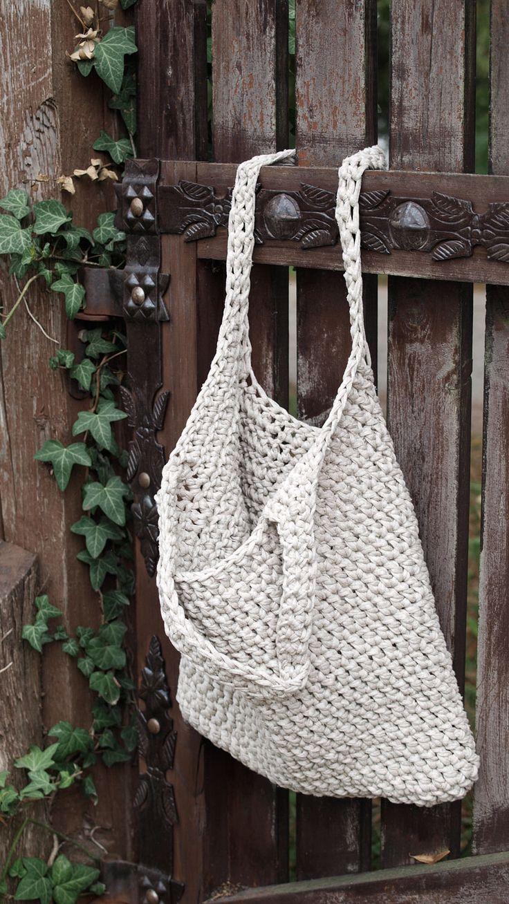 Wygodna pojemna torba z bawełnianego sznurka lub jerseyu (z recyclingu - Hooked Zpagetti). Różne wzory i kolory. Na zamówienie w Siedlisku na Wygonie na Mazurach