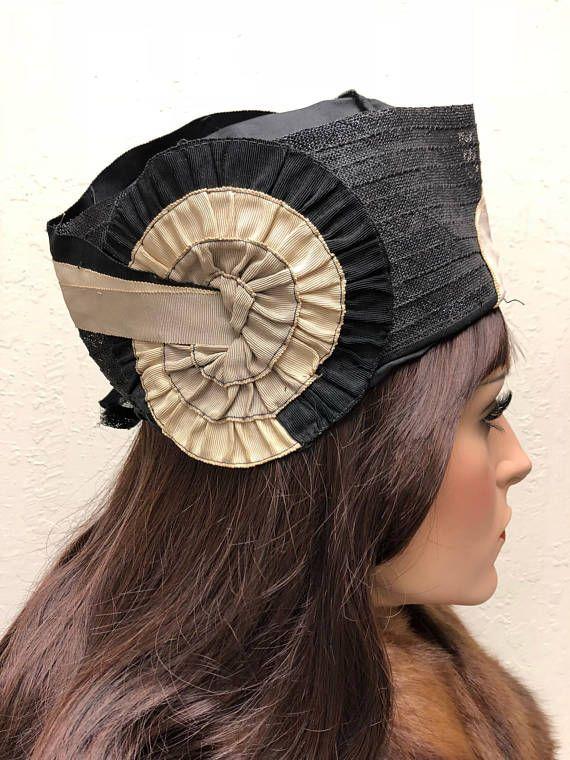 Cloche Hat Flapper 1920s Art Deco 20s Hat Black With Tan Etsy Cloche Hat Antique Hats 1920s Art Deco