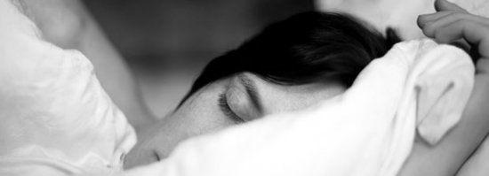 Atemübung: Schnell einschlafen kann so einfach sein - BRIGITTE