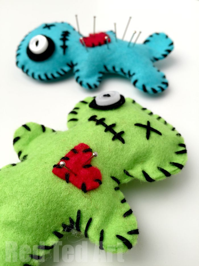 Make your own Voodoo pin cushions - fun for Halloween, makes a great gift AND beginners sewing project