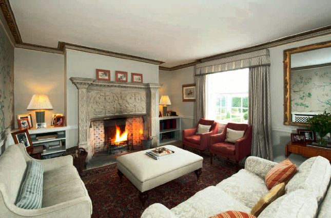 kate middleton's interiors of homes | ROYALTY: Kate Middleton's family home in Bucklebury, Berkshire