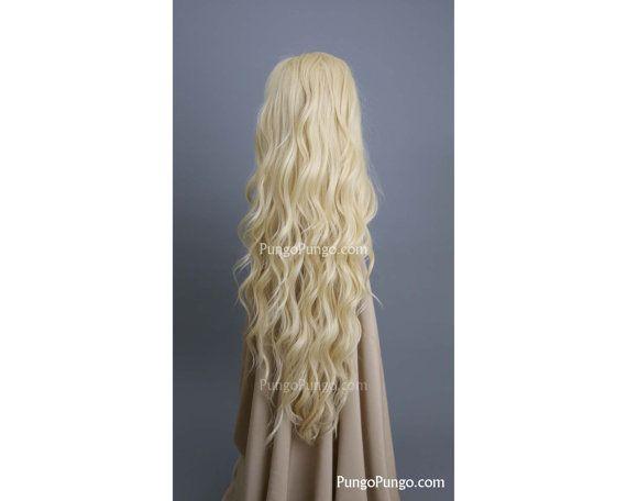 + Lange Haare mit romantischen, wellige Locken + Gesamtlänge: ca. 28-32. Auch unterhalb der Taille erreicht. + Farbe: platinblond + Mit seiner Wärme-Safe, Futura Fiber Kunsthaar, Sie schneiden, locken, Wellen, oder richten Sie diese schöne Perücke  Über die PungoPungo-Lady-Serie: + Lace front Perücke mit langlebigen Spitze gemacht + Hitze sicher bis über 340F + Stellen Sie Ihre Passform mit der Kämme & verstellbare Gummizüge innen die Perücke + Passt am besten für Kopfgrößen bis zu ca. 22...
