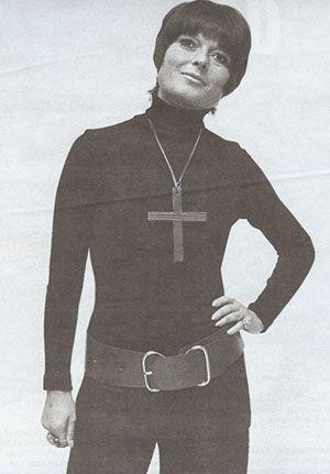 Liz Claiborne, Belgian-born American fashion designer (b. 1929)died on June 26, 2007: Fashion Icons, Fashion History, American Fashion, Famous People, Fashion People, Liz Claiborne, Designer Fashions, Fashion Designers