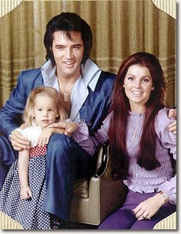 ELVIS PRESLEY EN FAMILLE