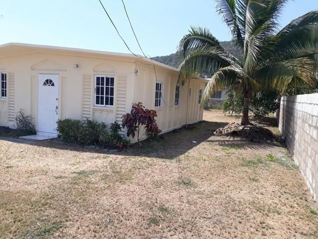 2 Bed 1 Bath Well Maintained House In A Very Private And Quiet Location For Rental Cheap Houses For Sale Cheap Houses House