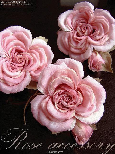 粉玫瑰胸花花飾