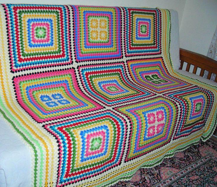 bir tanem ablamın oturma odasına koltuk örtüsü. güzel günlerde kullansın diye. (160x160 cm.)