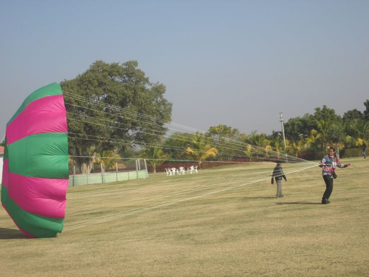 International Kite Festival 2014 at Rajkot Gujarat - Royal Kite Flyers Club Flying kite as Kite Flyers Club