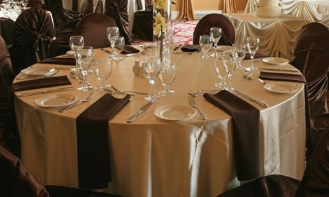 Table setting at Harbour Banquet hall