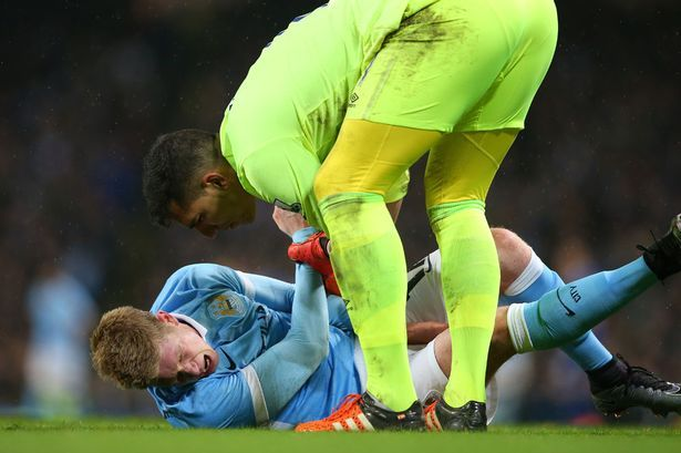 Joel Robles apologises to Kevin De Bruyne for reaction to...: Joel Robles apologises to Kevin De Bruyne for reaction to… #Everton