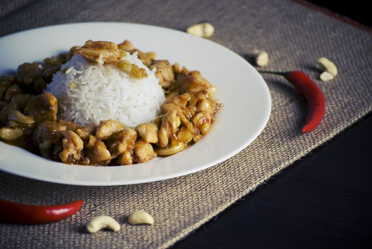 Chickpeas with Apaki Curry | Ρεβίθια με Απάκι Κάρυ