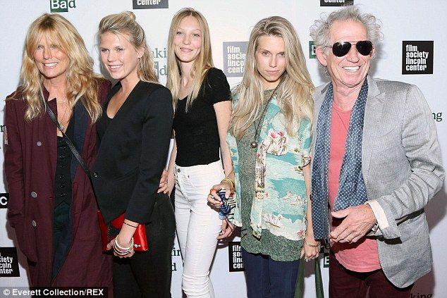 keith richards stunning granddaughter ella lands dream job  stones keith richards patti