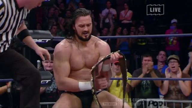 The Planet Lucha: DREW GALLOWAY + MALETÍN FTF =