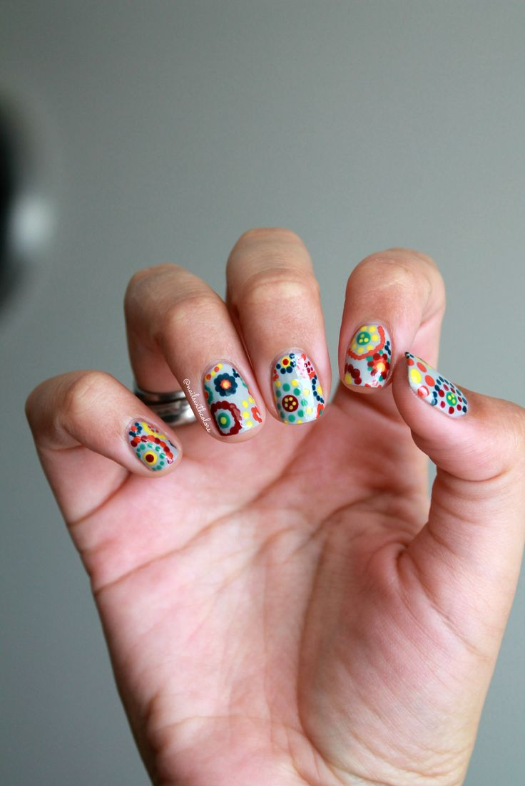 Recreation of Instagram nail artist Sarah from @chalkboardnails