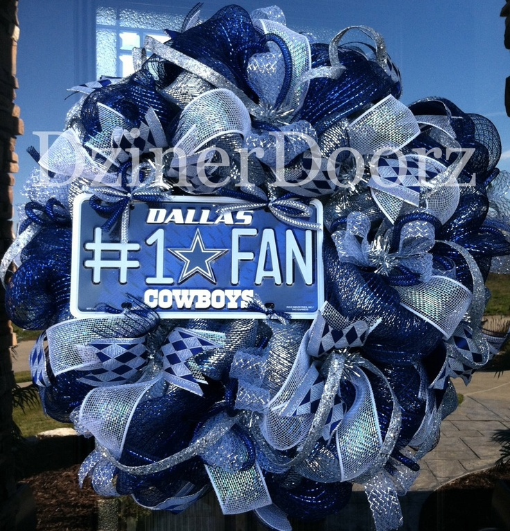 Deluxe deco mesh Dallas Cowboys Fan Wreath. $125.00, via Etsy.