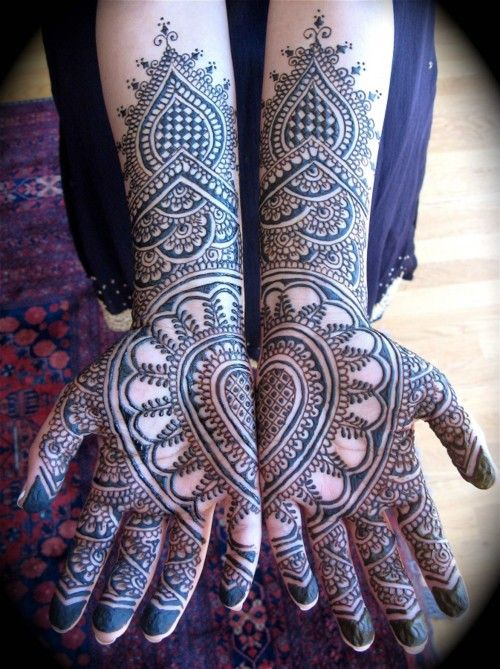 #henna #art #bride #wedding #mehindi #hands