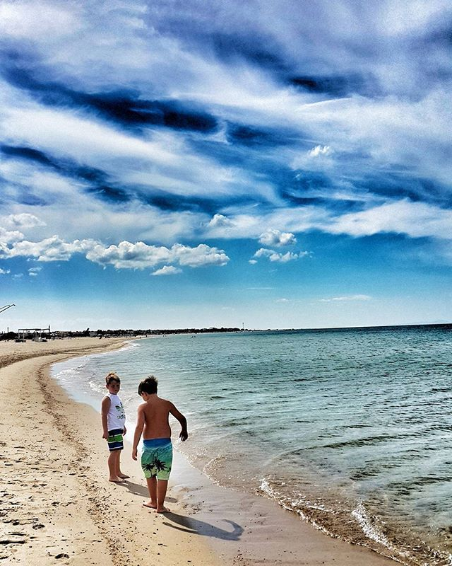 WEBSTA @ kayihaninsta - #enez #altinkum #beach #igers #igdaily #instagood #instalike #bestoftheday #besties #picoftheday #photooftheday #photogrid #clouds #cloudporn #amazing #gununkaresi #objektifimden #beachlife #turkey #edirne #saroz #vsco #vscocam #ainos