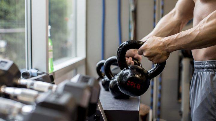 Ejercicios con kettlebell para entrenar el agarre