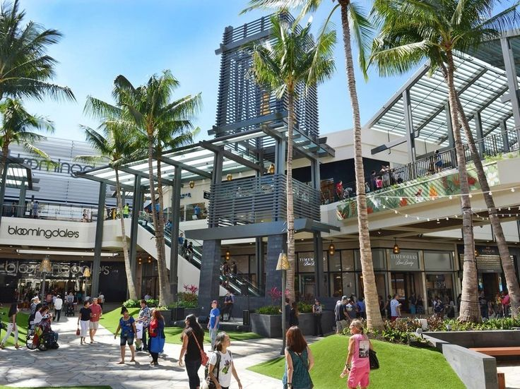 Ala Moana was already the world's largest outdoor shopping center and it became even more gargantuan thanks to last year's addition of a Bloomingdale's (opened in November 2015) and other stores like Coach, Tory Burch, and Zara. It's not just major brands at this 50-acre complex situated five minutes by bus from Waikiki