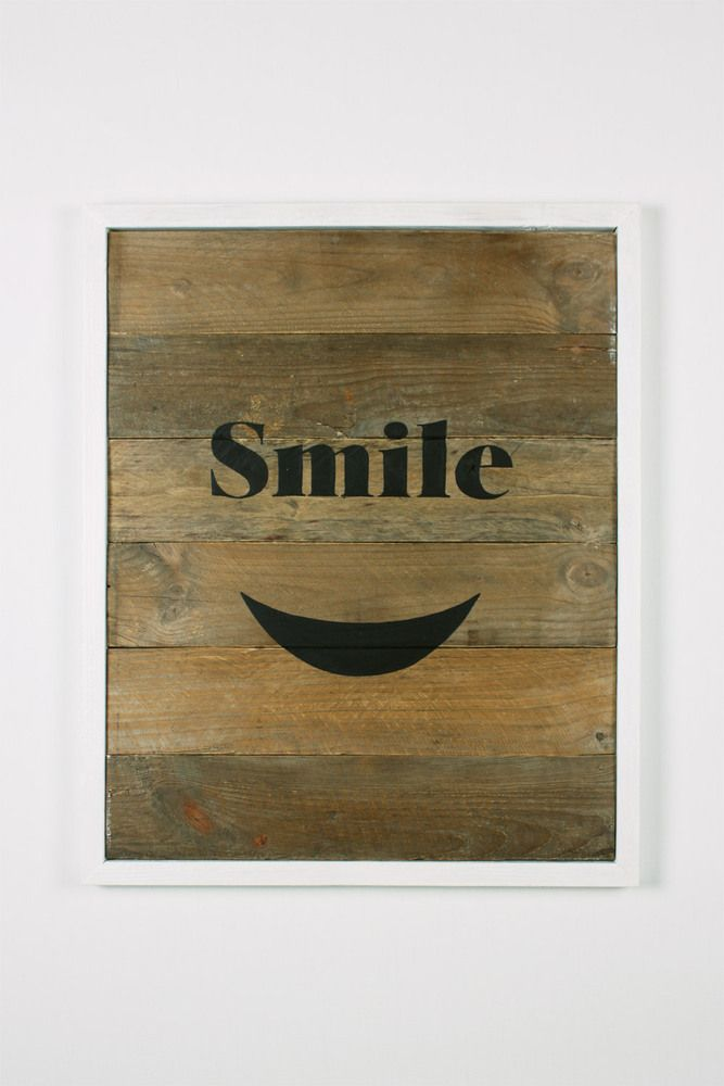 Handmade wall decoration made by reclaimed pallets wood. White Frame, Black paint Smile. Dimension: 50cm x 61cm