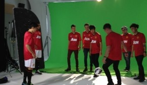 Manchester United players Wayne Rooney, Antonio Valencia, David De Gea, Shinji Kagawa and Federico Macheda were in the Photolink Studios for Epson and Indonesia's answer to Pringles, Mister Potato
