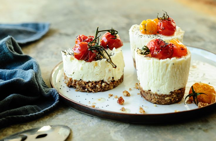 Savory goat cheese and roasted tomatoes mini cheesecakes