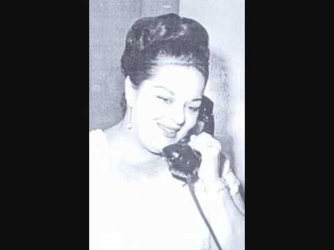 Linda Batista - Risque (1953) Para acompanhar a leitura do livro, aqui vai uma lista de dez sambas-canção de doer o coração.