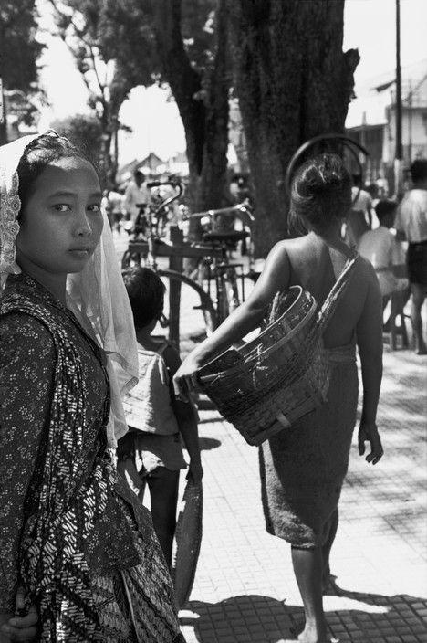 Henri Cartier-Bresson // Indonesia, 1949 -- Java. Jakarta