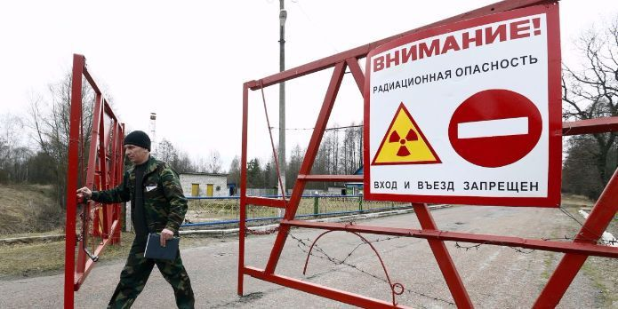 The site of the world's worst nuclear meltdown is about to become a solar farm Over 30 years ago, a radioactive release 10 times larger than the Hiroshima bomb forced hundreds of thousands of people to permanently evacuate the Chernobyl nuclear reactor. Now the abandoned site is about to start generating power again. But instead ...and more » #solarpower  #solar  #solarenergy