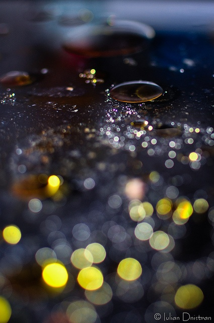 Bule de ulei by Iulian.Dnistran.ro, via Flickr