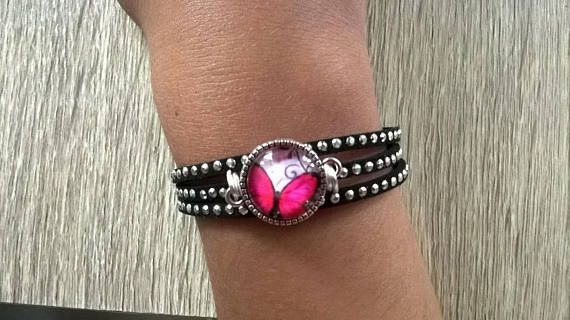 Bracelet fille cabochon papillon rose
