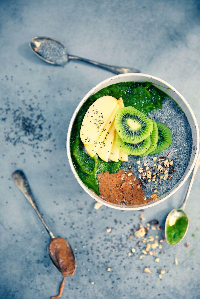 """Saveurs Végétales: ► """"Green smoothie bowl"""" (chia, amandes & fruits frais)"""