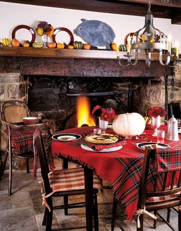 "Tartan tablecloth - the ""tablecloth"" is actually a shawl - the napkins are sashes cut with pinking shears - foto Keith Scott Morton, Country Living ~~"