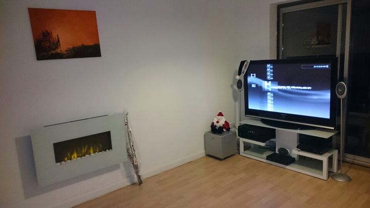 The Christmas period! Stuck to the minimal theme! Not happy with the tv unit! Too much clutter on show