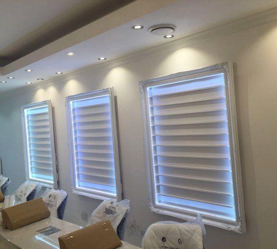 Weißer Nagellackhalter Sehr großer französischer Barockstil mit LED-Beleuchtung – D S.C salon ideas
