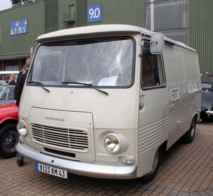 Peugeot J7