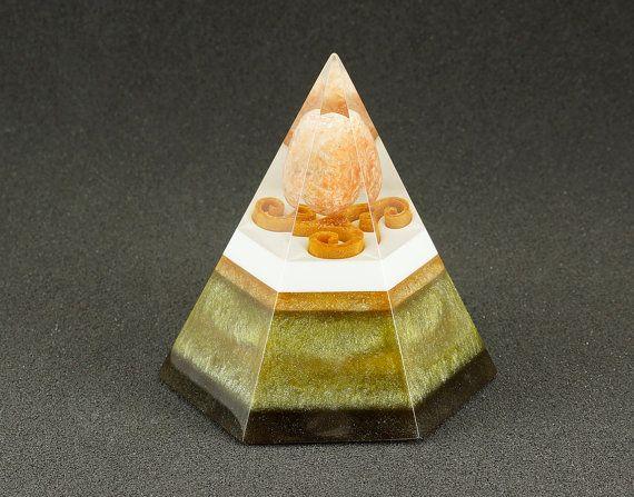 Hexagonal orgonite pyramid - Orange calcit