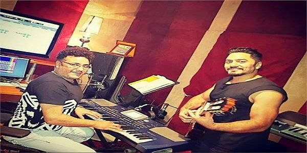 بدأ النجم تامر حسني العمل على أغاني ألبومه الجديد والتحضير لها حيث يعقد جلسات عمل مبدئية مع الملحن محمد رحيم داخل الإ Fictional Characters Character Talk Show