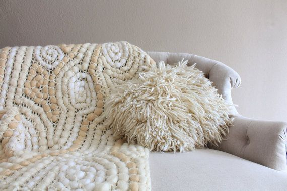 Chunky pillow, floor cushion, knitted pillow case, holiday present, wedding gift, housewarming gift, statement pillow, decorative pillow