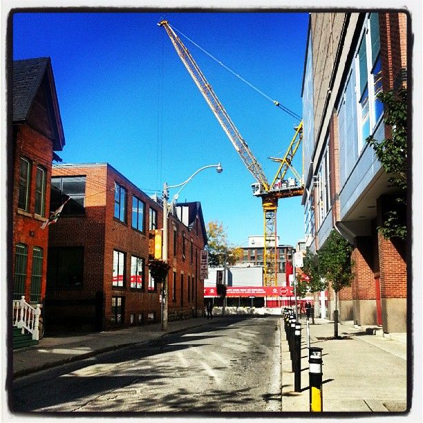 Construction crane in downtown Toronto.