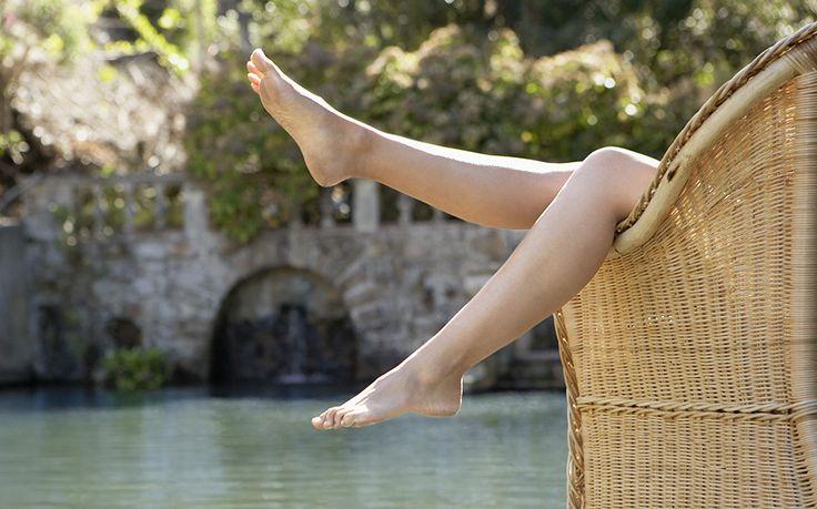 Pedicure perfetta in previsione della Primavera? Via libera all'olio di ricino - Glamour.it